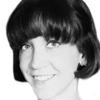 Stephanie Dinnen-Reini Headshot