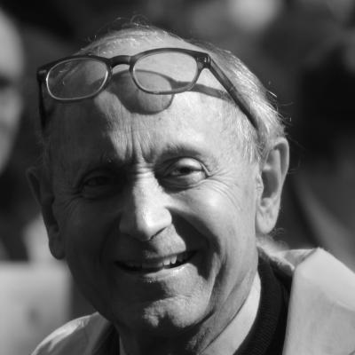 Stephen Schlesinger Headshot