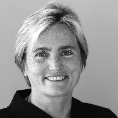Susan Davis Headshot