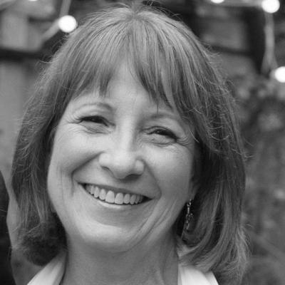 Susan Eleuterio Headshot