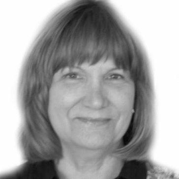Susan Perry Headshot