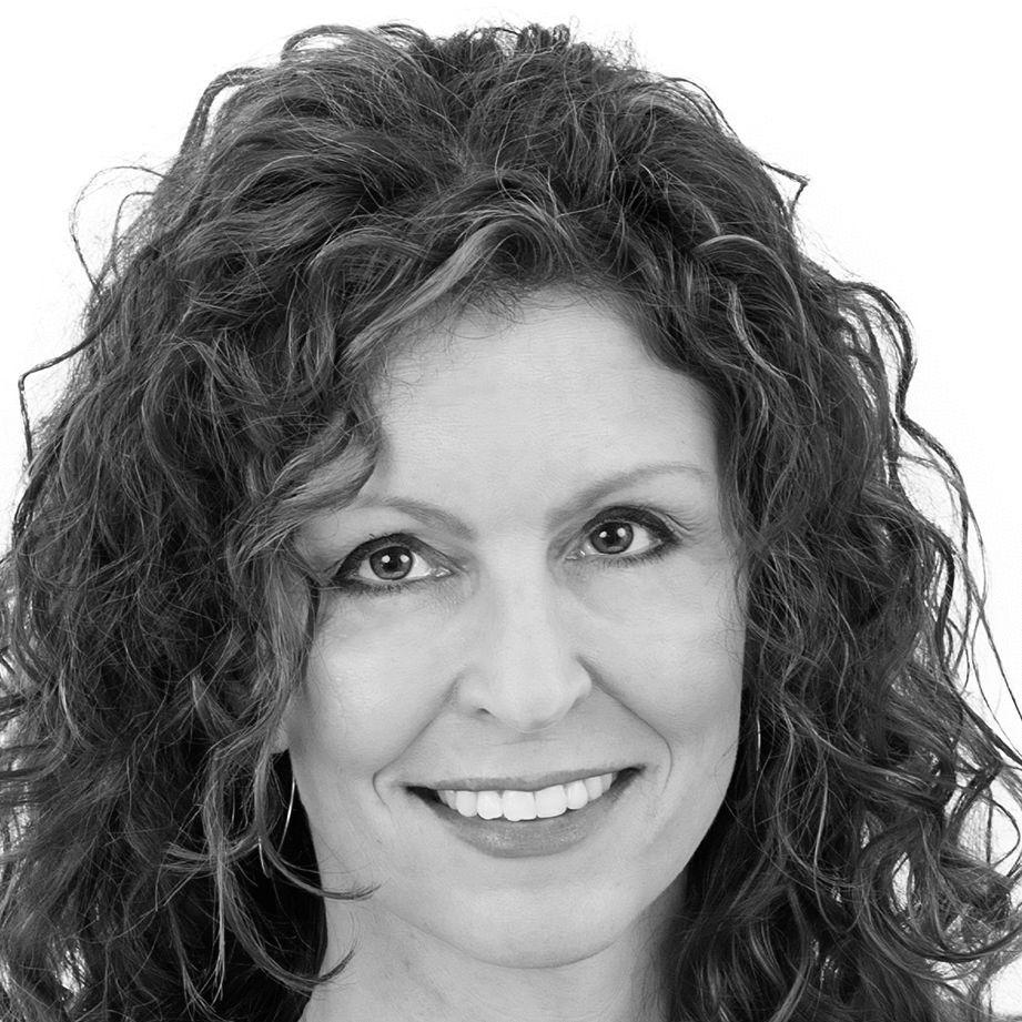 Susan Schmitz Headshot