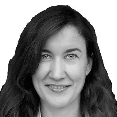 Susanne Hake Headshot