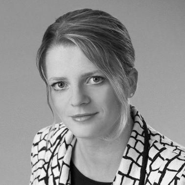 Susanne Schaper  Headshot