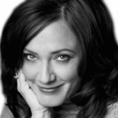 Suzanne Clores Headshot