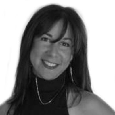 Suzanne Miller Headshot