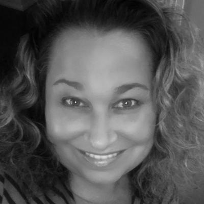Tanya Abreu Headshot