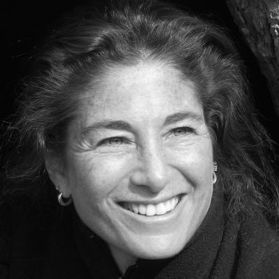 Tara Brach Headshot