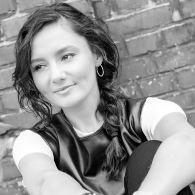 Tatjana Rogalski Headshot