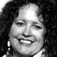 Terri Poore Headshot