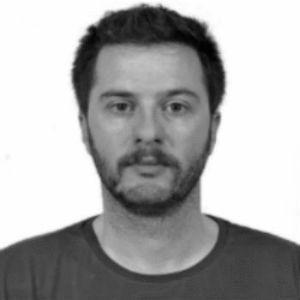 Θάνος Καμπύλης Headshot