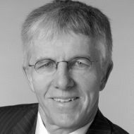 Prof. Dr. rer. pol. Thomas Straubhaar Headshot
