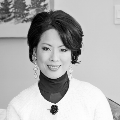 Tina Mak Headshot