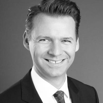 Prof. Dr. Tobias Kollmann Headshot