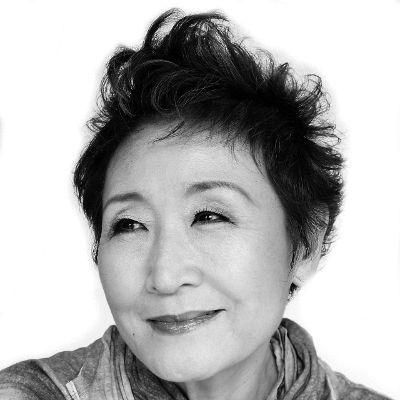 加藤登紀子 Headshot