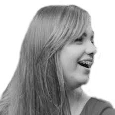 Tori Molnar Headshot