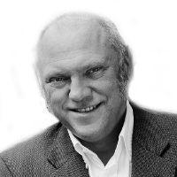 Ulrich Schneider Headshot