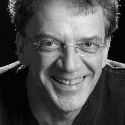 Prof. Dr. Ulrich Teusch Headshot