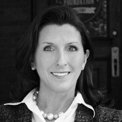 Valerie McMurtry Headshot