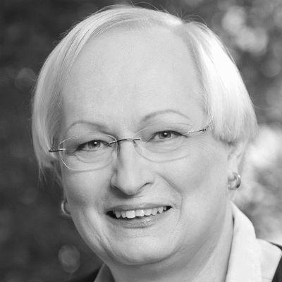 Dr. Valerie Wilms Headshot
