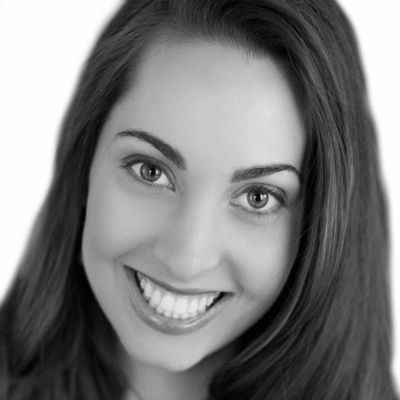 Vanessa Van Edwards Headshot