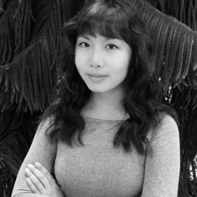 Vivian Tam Headshot