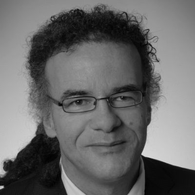 Volker Abdel Fattah Headshot