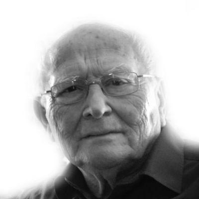 Dr. Waldemar Ritter Headshot