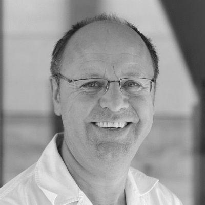 Dr. Weert Canzler Headshot