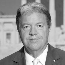 Dr. Werner Königshofer Headshot