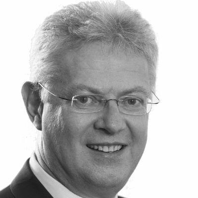Dr. Wolfgang Heuring Headshot
