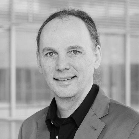 Dr. Wolfgang Strengmann-Kuhn Headshot