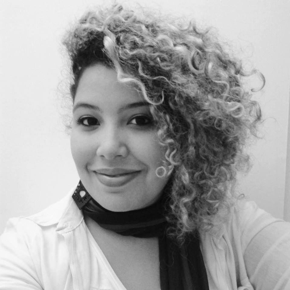 Yasmin Gomes Headshot