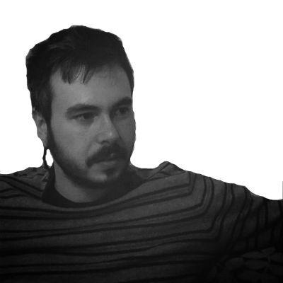 Γιάννης Νταλιάνης Headshot