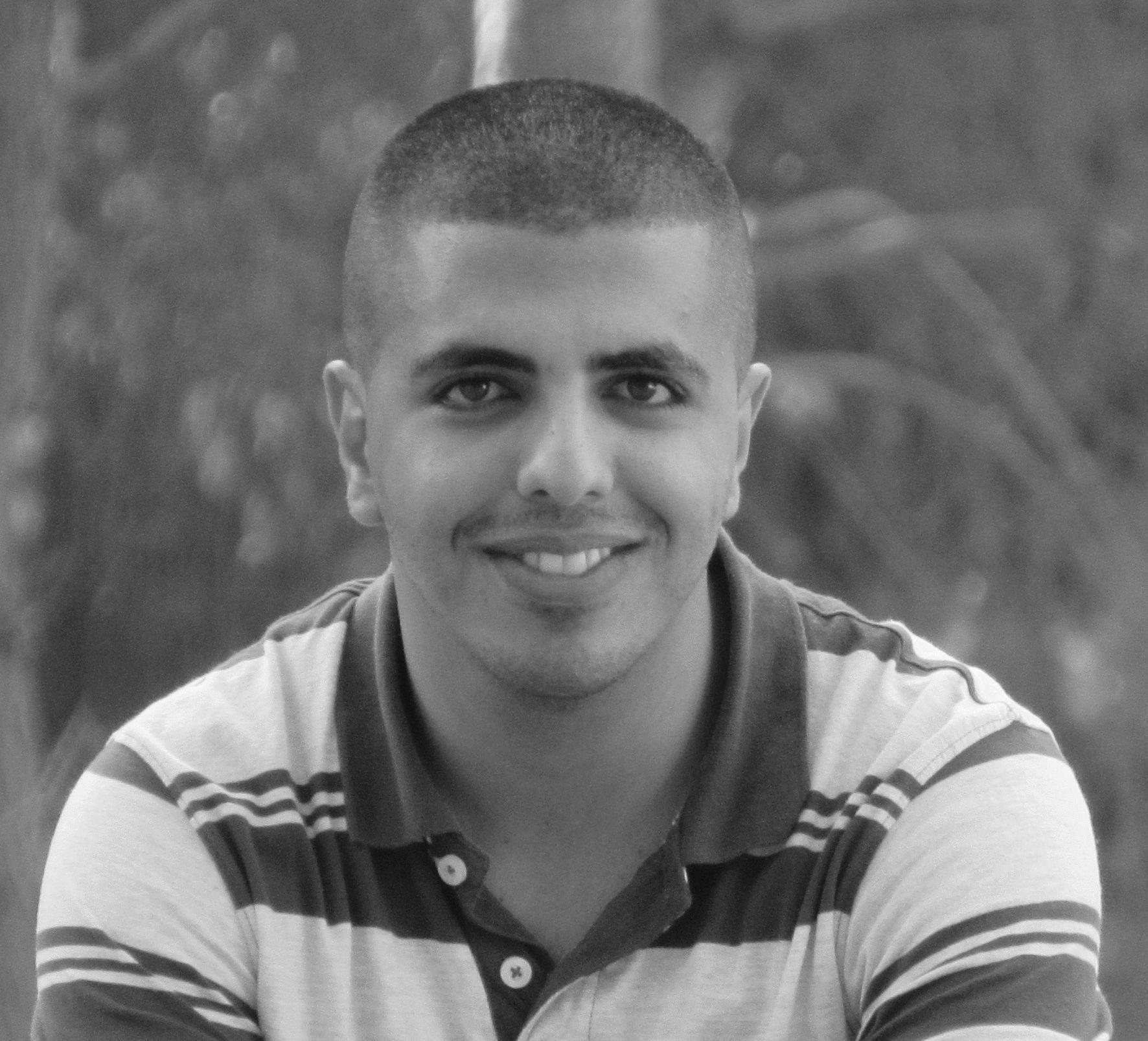 يوسف غازي حسين Headshot