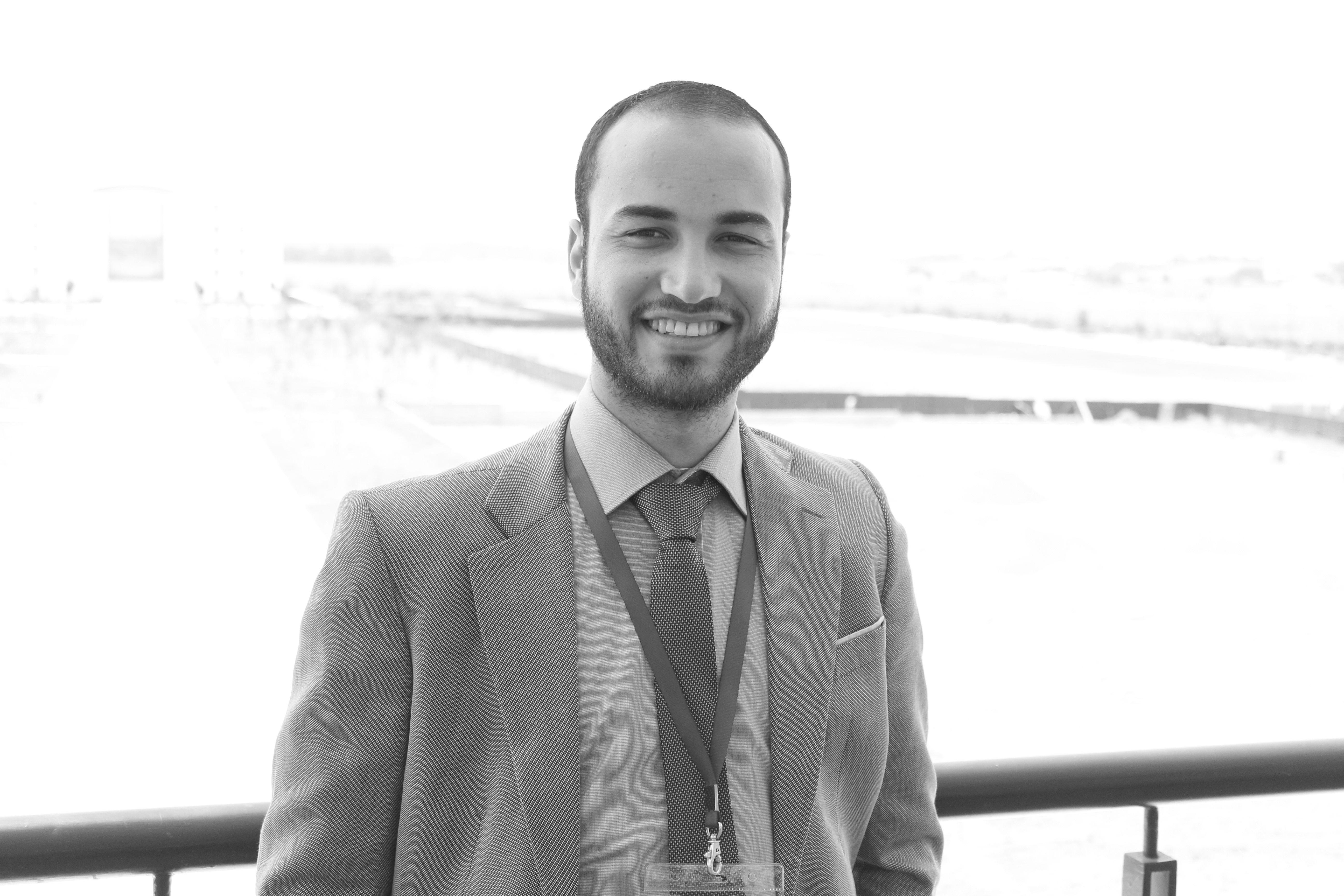 يوسف غرادي Headshot
