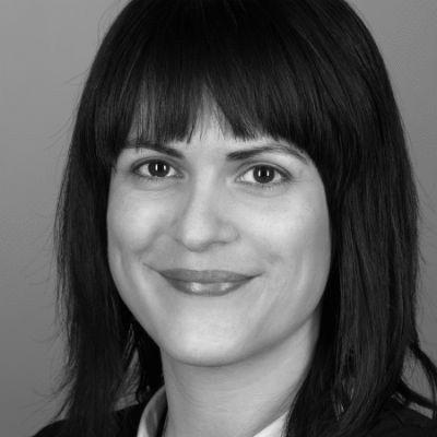 Yvonne Urbach  Headshot